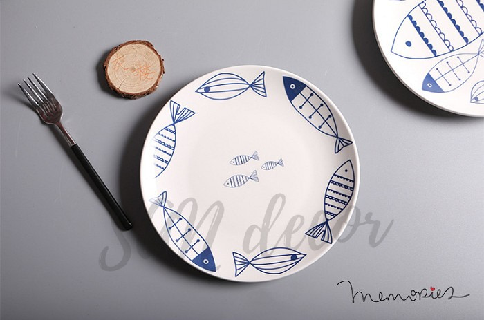Đĩa gốm phong cách Nhật họa tiết cá SAN Decor