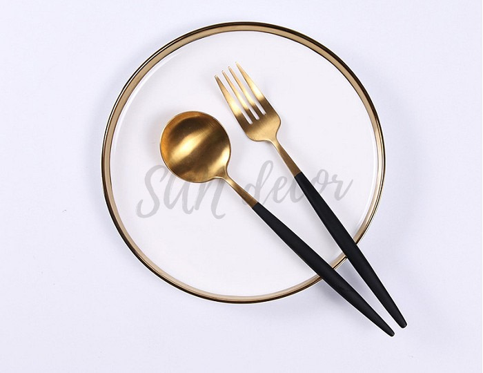 Đĩa sứ trắng viền vàng phong cách Scandinavian SAN Decor
